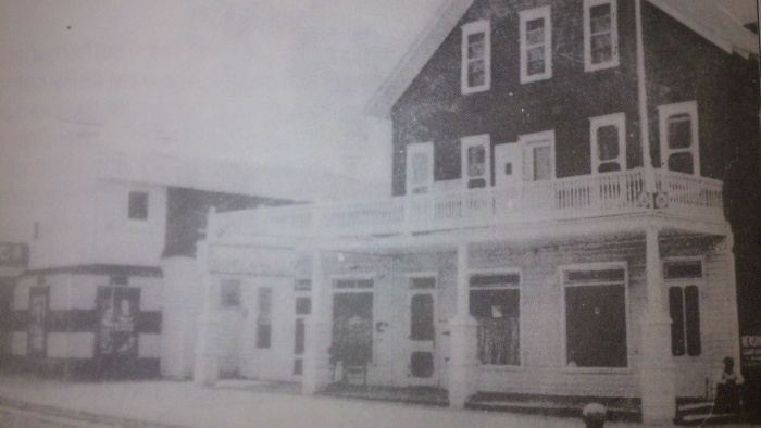 Old Picture of Braca's Cafe