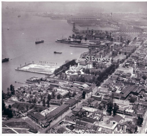 Aerial of Gloucester City in the 1930s.